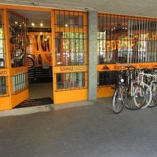 Óbuda, III. kerület kerékpár üzlet és szerviz - Üzlet kívülről - Bartus és fiai Slalom Sport