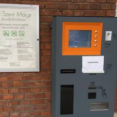 Vörösvári úti Szakrendelő - parkoló automata (Forrás: origo.hu)
