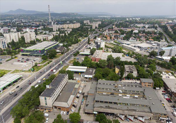új üzletközpontok)