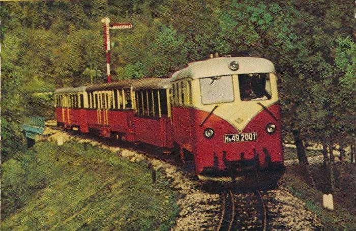A hatvanas évek tipikus összeállítása a Budapesti kirándulóhelyek című kötet borítóján